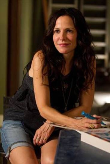 "Mary-Louise Parker stars in ""Weeds"" - Showtime Photo"