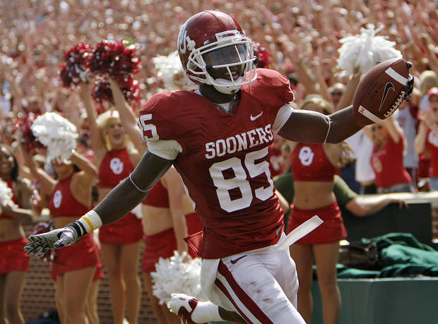 Oklahoma's Ryan Broyles celebrates after a touchdown during the first half of the college football game between the University of Oklahoma Sooners (OU) and the Florida State University Seminoles (FSU) on Sat., Sept. 11, 2010, in Norman, Okla.  Photo by Chris Landsberger, The Oklahoman