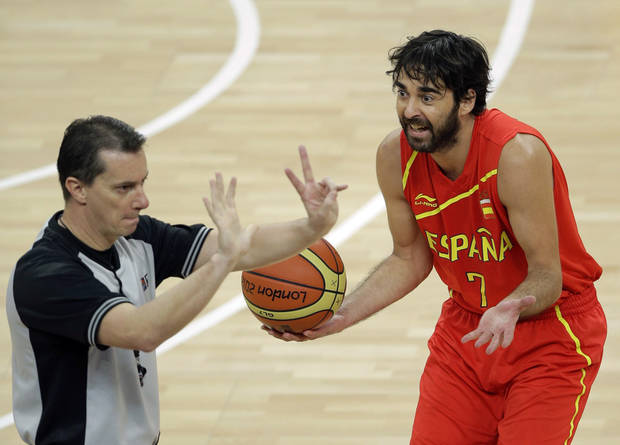 Spain&#039;s Juan-Carlos Navarro argues a call during the men&#039;s gold medal basketball game against the United States at the 2012 Summer Olympics, Sunday, Aug. 12, 2012, in London. (AP Photo/Matt Slocum)