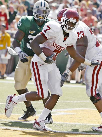OU's DeMarco Murray runs for a touchdown in the second of the college football game between Oklahoma (OU) and Baylor University at Floyd Casey Stadium in Waco, Texas, Saturday, October 4, 2008.   BY BRYAN TERRY, THE OKLAHOMAN