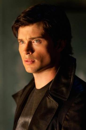 """Metallo"" Pictured: Tom Welling as Clark  Kent Photo Credit: Jack Rowand / The CW © 2009 The CW Network, LLC. All Rights Reserved."