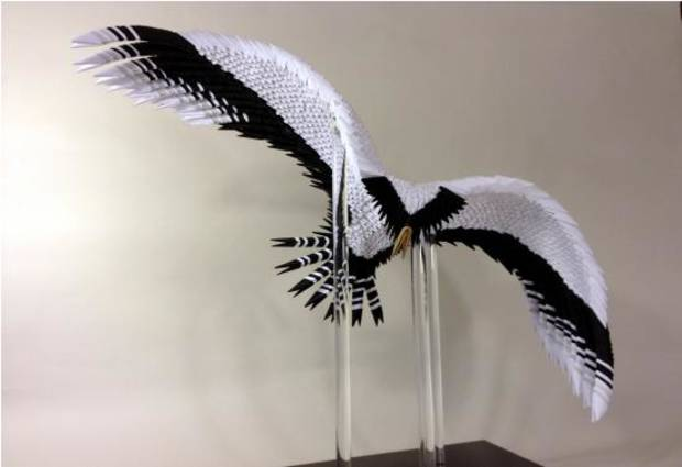 """Raptor"" Zhe Zhi Chinese style paper sculpture by Francene Levinson. Photo courtesy of francenelevinson.com"