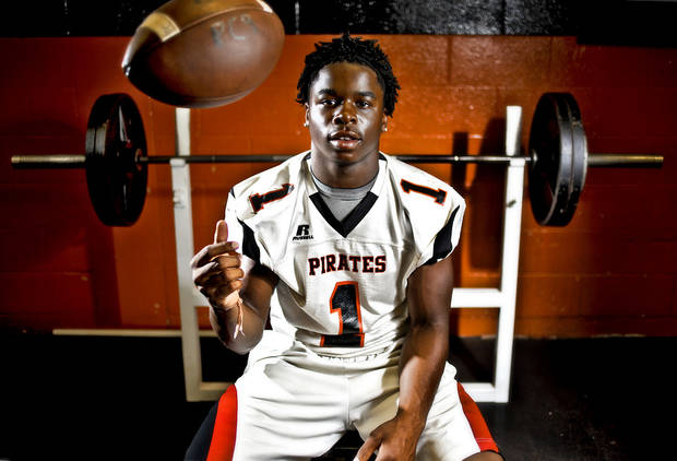 HIGH SCHOOL FOOTBALL: Putnam City running back Casey Curtis poses for a photo in the weight room at Putnam City High School on Thursday, June 30, 2011, in Oklahoma City, Okla.  Photo by Chris Landsberger, The Oklahoman   ORG XMIT: KOD