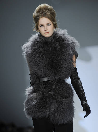 The Vera Wang Fall 2010 collection is modeled Tuesday, Feb. 16, 2010 during Fashion Week in New York. (AP Photo/Stephen Chernin) ORG XMIT: NYSC108