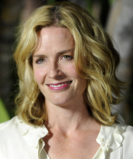 Actress Elisabeth Shue poses at the 21st Annual Beat the Odds Awards, Thursday, Dec. 1, 2011, in Beverly Hills, Calif. Hosted by the Children's Defense Fund-California, the event honored Los Angeles-area high school students who overcame personal obstacles to achieve academic excellence. (AP Photo/Chris Pizzello)