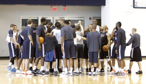 Coach Scott Brooks gathers the team after the Thunder practice Sunday, June 10, 2012. Photo by Doug Hoke, The Oklahoman