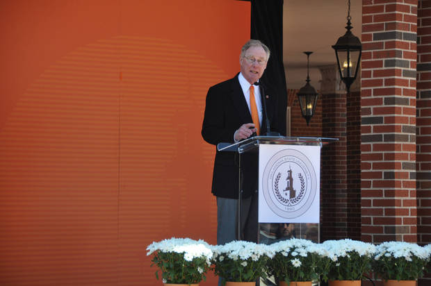 OKLAHOMA STATE UNIVERSITY: OSU President Burns Hargis speaks to a crowd of hundreds of supporters about the progress of OSU's Branding Success campaign on Wednesday, April 24, 2013. SAMANTHA VICENT/For the Tulsa World ORG XMIT: DTI1304241259065692