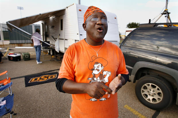 Bod Bashorun, 1982 OSU graduate, camped out on the parking lot next to the field with his family for the college football game between Oklahoma State University and Baylor University at Floyd Casey Stadium in Waco, Texas, Saturday, Nov. 17, 2007. BY STEVE SISNEY, THE OKLAHOMAN