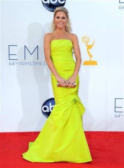 Actress Julie Bowen arrives at the 64th Primetime Emmy Awards at the Nokia Theatre on Sunday, Sept. 23, 2012, in Los Angeles.  (Photo by Jordan Strauss/Invision/AP)