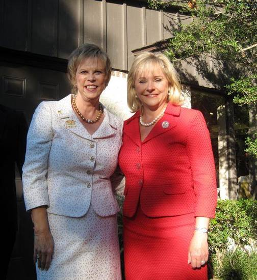 Terry Neese and Gov. Mary Fallin were at the event. Organizer Terry Neese, national board member, Women for Romney, noted that Ann Romney is chairman of Women for Romney; Lynn Cheney and Laura Bush are honorary co-chairmen. There are 15 national board members all across the country. (Photo by Helen Ford Wallace).