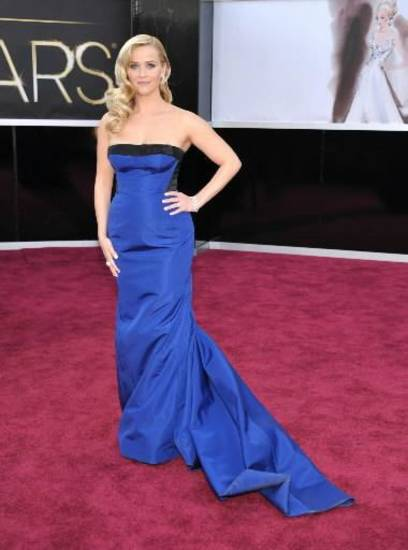 Reese Witherspoon lives up to her style icon rep on the Oscars red carpet. (AP)