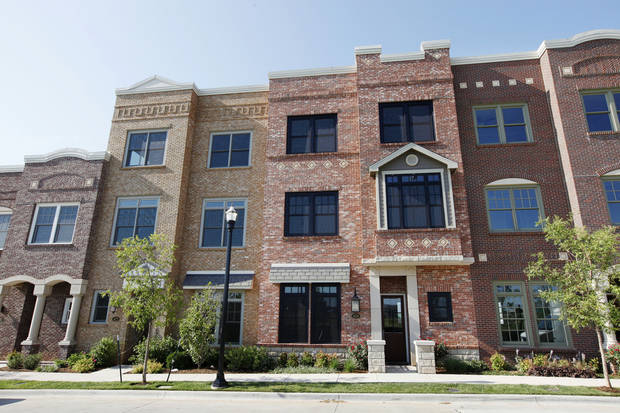 Kevin Durant recently purchased townhomes at 420 and 422 NE 2 shown in this photo with plans to convert into one 7,400-square-foot home. <strong>PAUL B. SOUTHERLAND - PAUL B. SOUTHERLAND</strong>