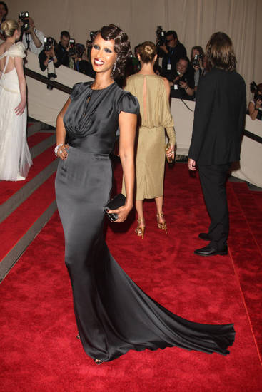 Iman arrives at the Metropolitan Museum of Art Costume Institute gala, Monday, May 3, 2010 in New York.  (AP Photo/Peter Kramer) ORG XMIT: NYHA161