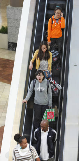 Early morning Black Friday shoppers at Penn Square Mall, Friday, November 23, 2012. Photo By David McDaniel/The Oklahoman