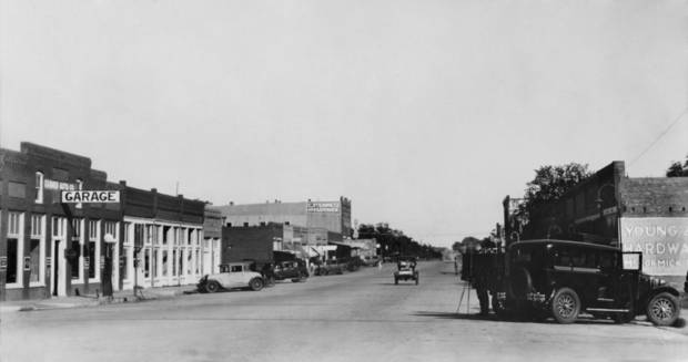 "STREET SCENES:  "" Street Scene at Carmen, Major County, Okla."""