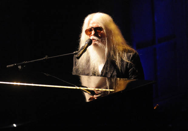 Inductee Leon Russell performs at the Rock and Roll Hall of Fame induction ceremony, Monday, March 14, 2011 in New York. (AP Photo/Evan Agostini) ORG XMIT: NYJC103