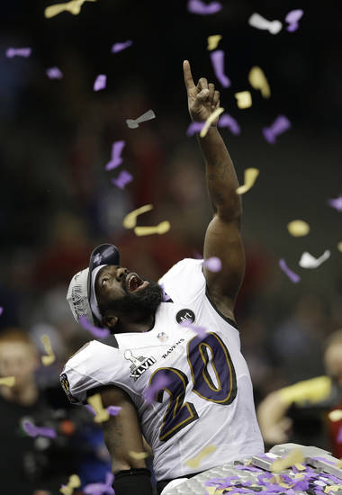 Baltimore Ravens safety Ed Reed (20) celebrates after defeating the San Francisco 49ers 34-31 in the NFL Super Bowl XLVII football game, Sunday, Feb. 3, 2013, in New Orleans. (AP Photo/Elaine Thompson)