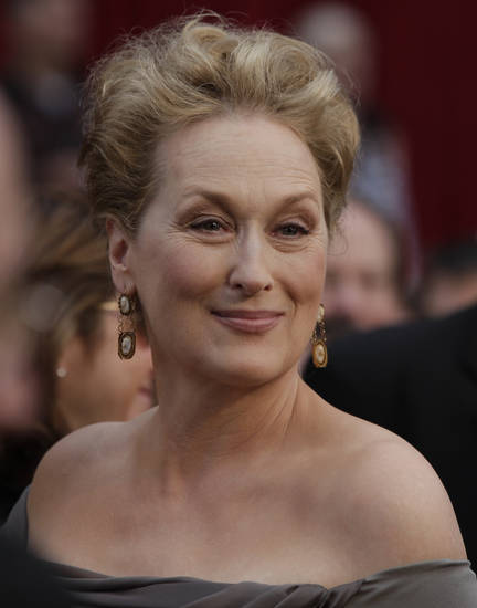 "Meryl Streep, nominated for an Oscar for best actress in a leading role for her work in ""Doubt,"" arrives for the 81st Academy Awards Sunday, Feb. 22, 2009, in the Hollywood section of Los Angeles. (AP Photo/Amy Sancetta) ORG XMIT: CADA172"