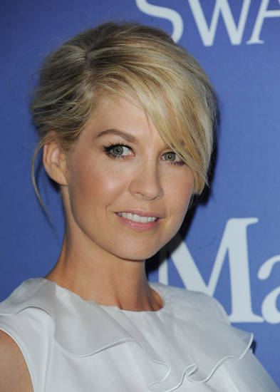 Jenna Elfman- Photo by Katy Winn/InvisionE/AP