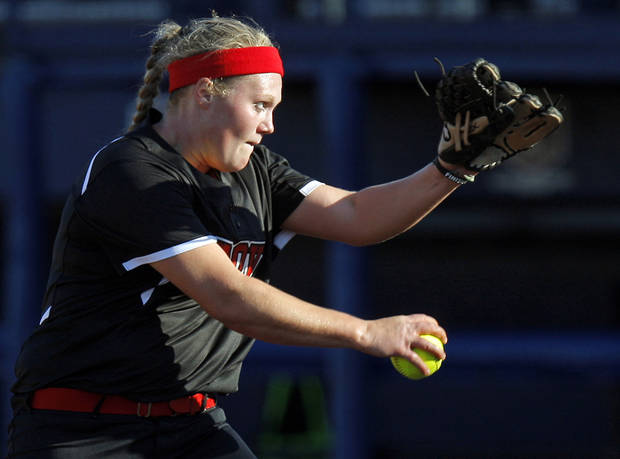 Grove&#039;s Jessica Walker (19) pitches during the 5A state championship fast-pitch softball game between Grove and Chickasha at ASA Hall of Fame Stadium in Oklahoma City, Monday, Oct. 15, 2012. Grove won, 3-2. Photo by Nate Billings, The Oklahoman