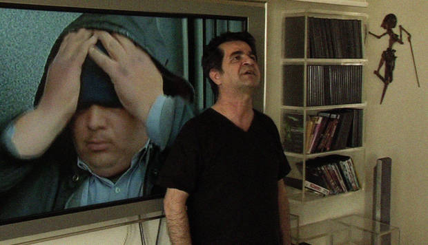 "In this image released by Palisades Tartan, Jafar Panahi is shown in a scene from ""This is Not a Film."" (AP Photo/Palisades Tartan)"