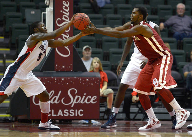 Gonzaga guard Gary Bell, Jr., left, steals the ball from Oklahoma forward Andrew Fitzgerald during the second half of an NCAA basketball game at the Old Spice Classic in Kissimmee, Fla., Friday, Nov. 23, 2012. Gonzaga won 72-47. (AP Photo/Phelan M. Ebenhack) ORG XMIT: FLPE113