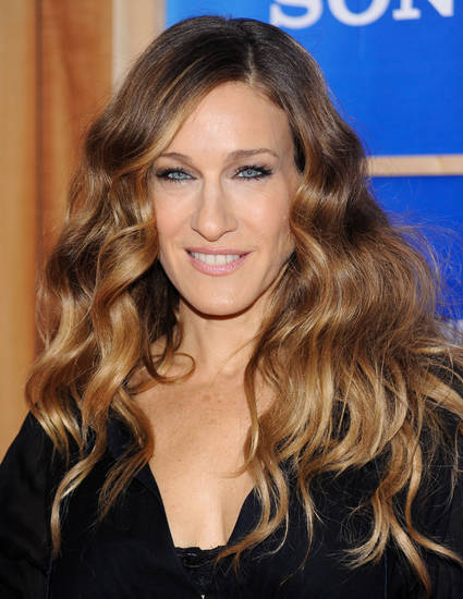 "Actress Sarah Jessica Parker attends the premiere of ""Did You Hear About The Morgans"" at the Ziegfeld Theater on Monday, Dec. 14, 2009 in New York. (AP Photo/Evan Agostini) ORG XMIT: NYEA111"