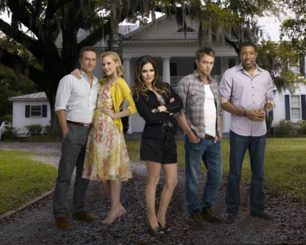 Hart of Dixie Pictured: Scott Porter as George, Jaime King is Lemon, Rachel Bilson as Dr. Zoe Hart, Wilson Bethel as Wade, Cress Williams as Lavon. Photo Credit: Mathieu Young/The CW © 2011 The CW Network, LLC.  All rights reserved.