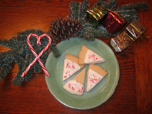 "#9 top voted cookie in our ""12 Days of Cookies"" contest brought to you by Hiland is from Donna Vernier."