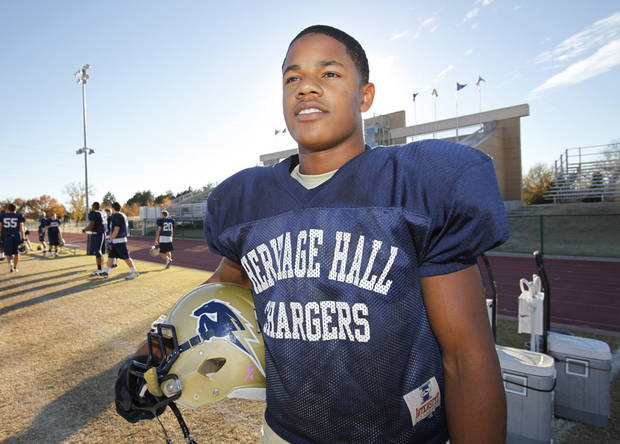 Heritage Hall high school football player Sterling Shepard at practice, Monday, November 22, 2010.   Staff photo by David McDaniel/The Oklahoman  ORG XMIT: KOD