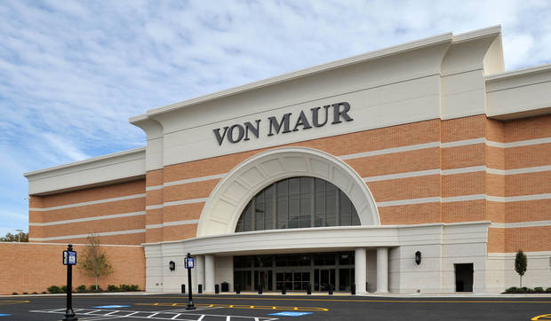 Von Maur's newest location at Atlanta's Perimeter Mall is one of the Company's largest locations in the country and second location in Georgia. (PRNewsFoto/Von Maur Department Store) THIS CONTENT IS PROVIDED BY PRNewsfoto and is for EDITORIAL USE ONLY**