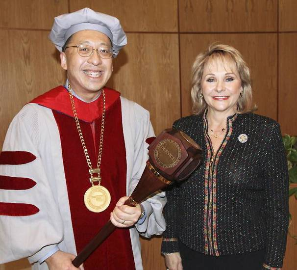 Frank Wang, Ph.D., and Gov. Mary Fallin.  PHOTO PROVIDED