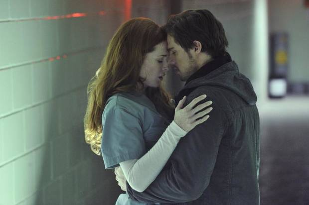 "Beauty and the Beast -- ""Seeing Red"" -- Pictured (L-R): Bridget Regan as Alex and Jay Ryan as Vincent -- Image Number: BB109b_0021.jpg -- Photo: Ben Mark Holzberg/The CW -- © 2012 The CW Network, LLC. All rights reserved."
