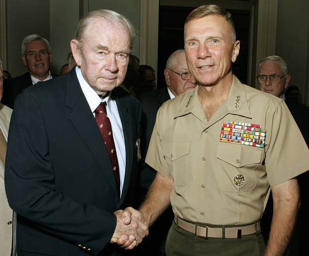 Former Oklahoma Governor and U.S. Senator Henry Bellmon and Commandant of the Marine Corps, General Michael W. Hagee USMC pose for a photo during a reception at the Oklahoma City Golf and Country Club in Nichols Hills, July 27, 2006.  Steve Gooch /The Oklahoman