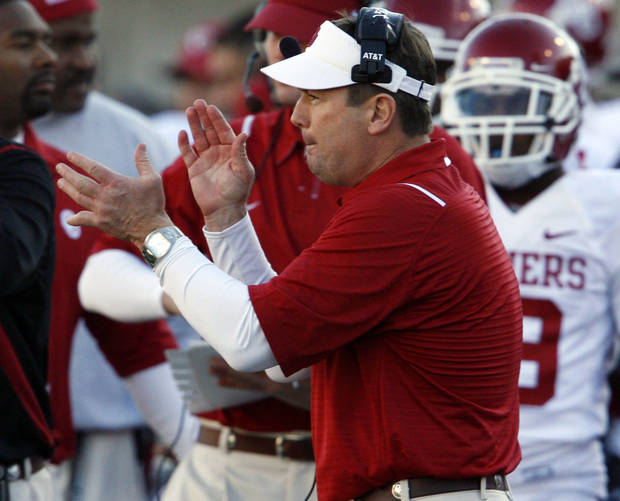 OU coach Bob Stoops is changing his tune on scheduling tough out-of-conference games. PHOTO BY STEVE SISNEY, THE OKLAHOMAN ARCHIVE