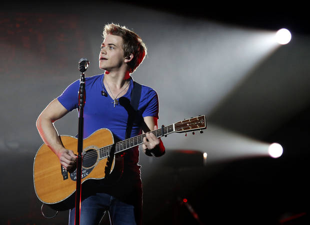 Hunter Hayes performs at the Chesapeake Energy Arena in Oklahoma City, Thursday, Oct. 25, 2012.  Photo by Garett Fisbeck, The Oklahoman