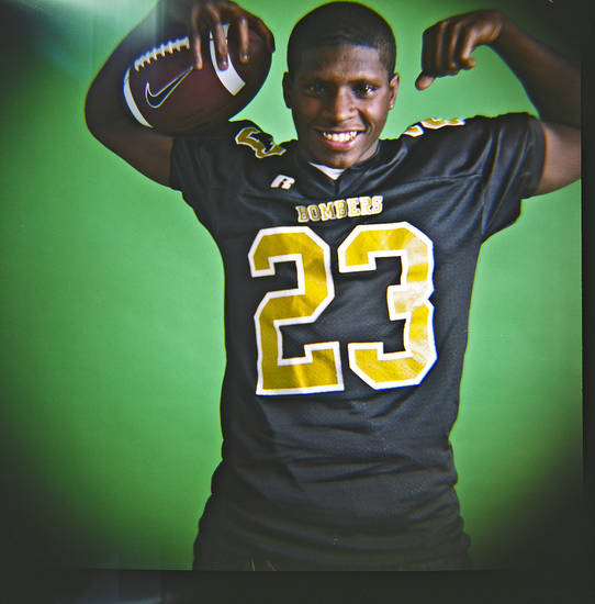 Emmanuel Maxwell of Midwest City High School on Monday, Dec. 14, 2009, in Oklahoma City, Okla.   Photo by Chris Landsberger, The Oklahoman