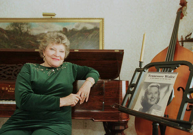 Singer Patti Page poses in 1999 at her home in Bath, N.H. AP FILE Photo <strong>JOEL PAGE  AP - Associated Press</strong>