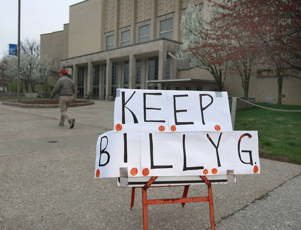 A sign supporting University of Kentucky basketball coach Billy Gillispie has been placed in front of Memorial Coliseum on the Avenue of Champions on the UK campus in Lexington, Ky., Friday, March, 27, 2009.  A decision concerning Gillispie's coaching future could come as early as today from the University. Photo by Charles Bertram | Staff