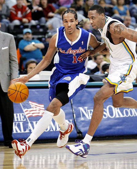 Former Clipper Shaun Livingston, left, has joined the Tulsa 66ers of the NBA Development League. AP photo