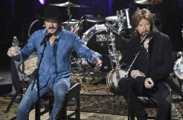 Brooks & Dunn (AP file)
