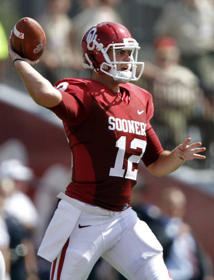 Oklahoma's Landry Jones throws the ball during the first half of the college football game between the University of Oklahoma Sooners (OU) and the Florida State University Seminoles (FSU) on Sat., Sept. 11, 2010, in Norman, Okla.  Photo by Chris Landsberger, The Oklahoman