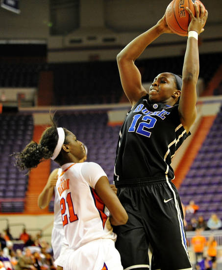 Duke's Chelsea Gray shoots over Clemson's Quinyotta during the second half of an NCAA college basketball game, Thursday, Jan. 24, 2013, at Littlejohn Coliseum in Clemson, S.C. Duke won 60-46. (AP Photo/Richard Shiro)