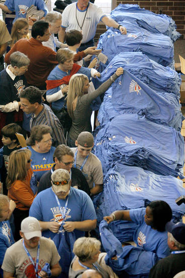 Fans enter the Ford Center before the opening game between the Oklahoma City Thunder and the Milwaukee Bucks at the Ford Center in Oklahoma City, Wednesday, October 29, 2008.  BY BRYAN TERRY, THE OKLAHOMAN