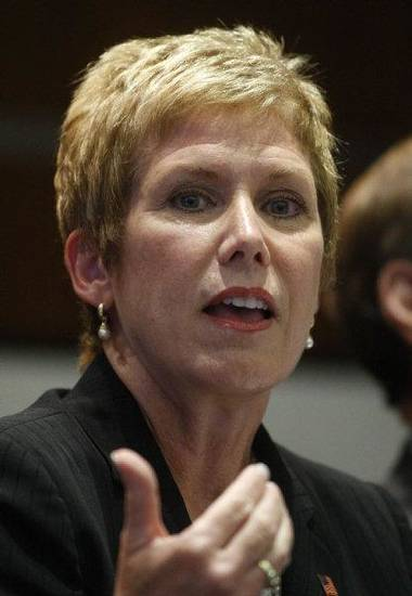Janet Barresi, candidate for Oklahoma state superintendent of education, answers a question during a forum in Oklahoma City, Wednesday, June 16, 2010. (AP Photo/Sue Ogrocki) <strong>Sue Ogrocki - AP</strong>