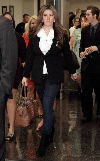 Amber Hilberling walks to the courtroom for her hearing at the Tulsa courthouse on Wednesday. MICHAEL WYKE/Tulsa World