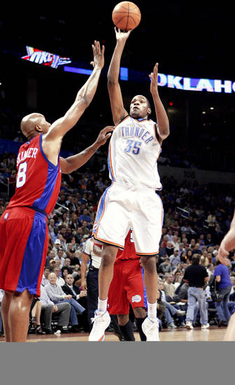 Kevin Durant scored 18 points Tuesday night, but the Clippers beat the Thunder 90-88 at the Ford Center. Photo by BRYAN TERRY, THE OKLAHOMAN <strong></strong>