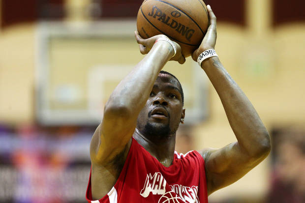 OKC�s Kevin Durant played in the Jamal Crawford Summer Pro-Am at Royal Brougham Pavilion at Seattle Pacific University in Seattle this past weekend.  AP photo