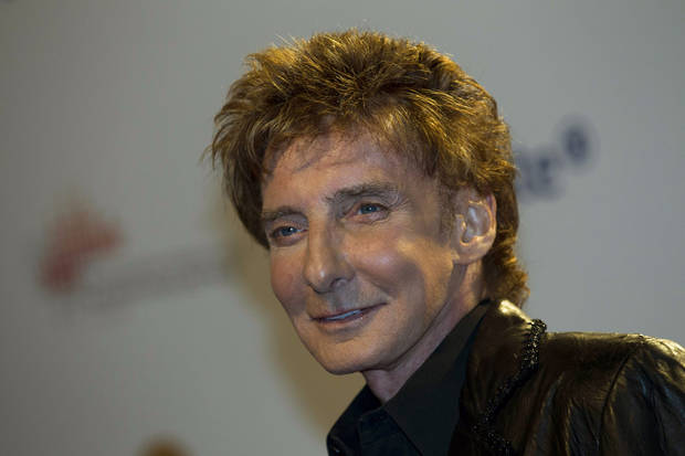 barry manilow     ORG XMIT: 1204102211137458