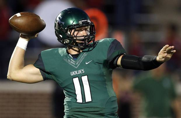 Edmond Santa Fe quarterback Justice Hansen is not expected to play Thursday during the Under Armour All-American Game due to his ankle injury. Photo from The Oklahoman Archives